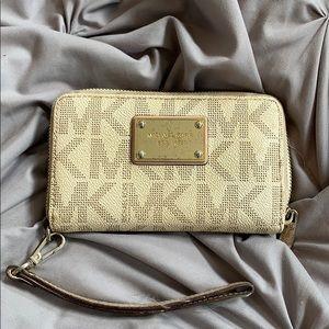 Michael Kors Vanilla Wallet Clutch
